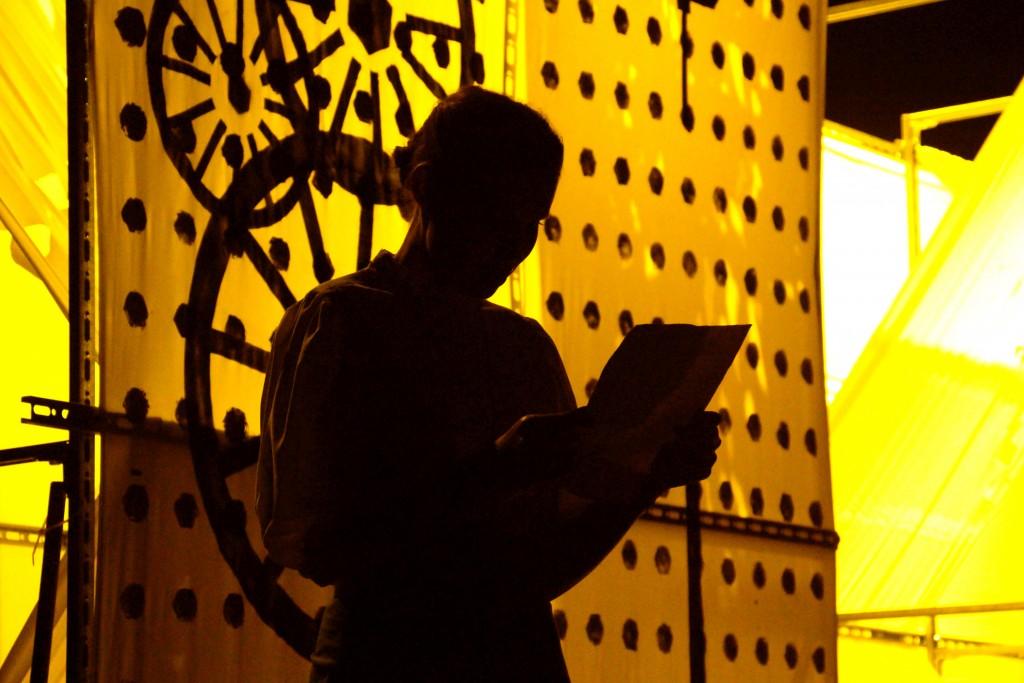 Predstava Ikarus na sporedu v  petek 21. julija ob 20. uri